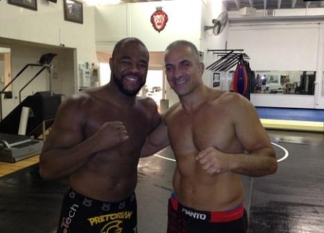 ZeMario com Rashad Evans para o UFC 145