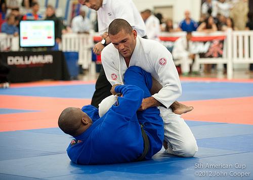 Contra-ataque com o campeão da 5ª American Cup de Jiu-Jitsu