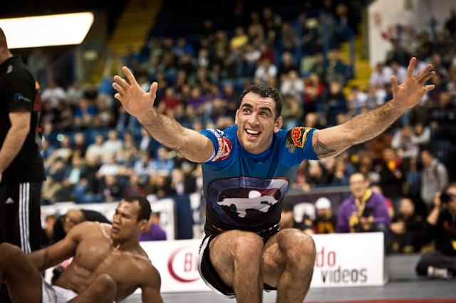 Braulio Estima celebra vitória na superluta do ADCC 2011. Foto: Dan Rod