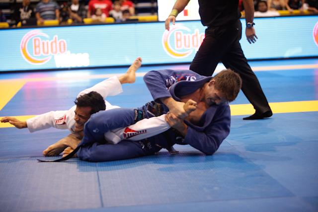 Vídeo: 43 armlocks que funcionaram nos campeonatos de Jiu-Jitsu