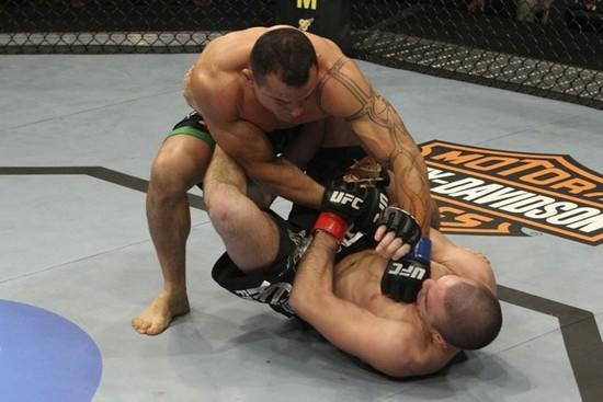 Tibau e a lição para o UFC 184: manter-se treinado e em boa forma o ano todo