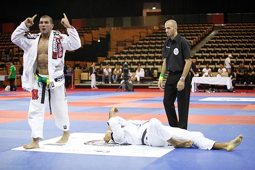 Rodolfo beats Galvão, wins weight and absolute in Jiu-Jitsu in Abu Dhabi
