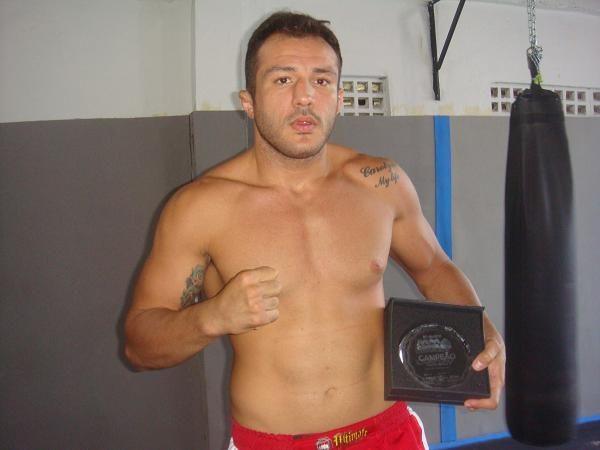 Shooto Brasil 29: em noite de Jiu-Jitsu, faixa-preta Cachorrão nocauteia