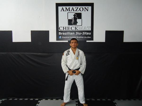 Jiu-Jitsu champ studies how to unravel the berimbolo