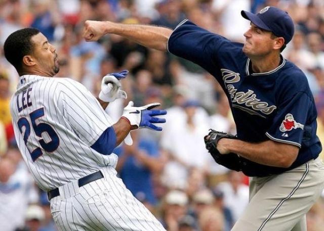 Briga em jogo de beisebol nos EUA: uma agressão pode acontecer em qualquer lugar, como aprendeu o professor Ryan Hall. Foto: Site Banned in Hollywood/Divulgação.
