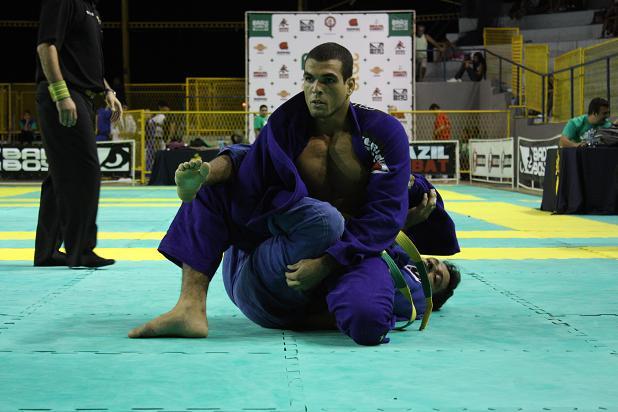 Brasileiro de Jiu-Jitsu: Nivaldo Oliveira brilha mais entre tantos astros