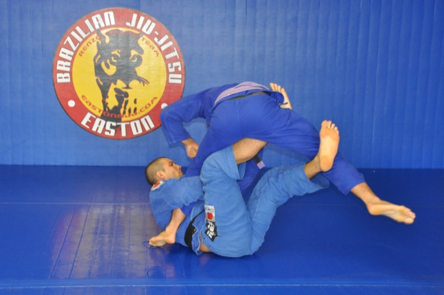Watch Rodolfo Vieira honing his guard for 2012 Jiu-Jitsu Worlds
