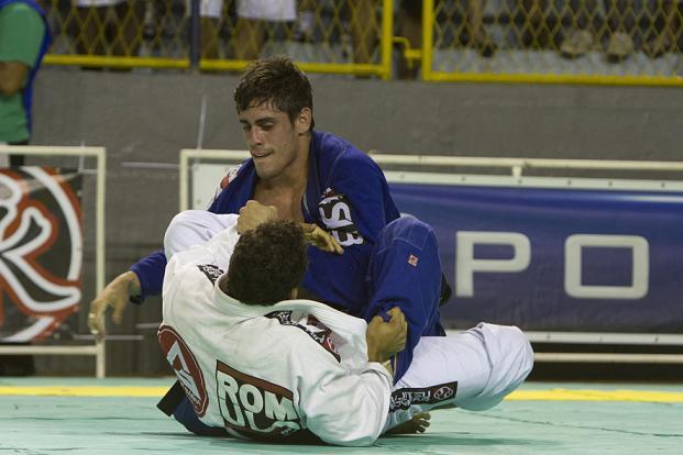 A dinâmica da guarda-X no Jiu-Jitsu, com Rômulo Barral