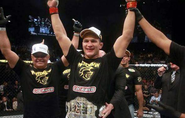 Junior Cigano mantém título em noite de nocautes, finalizações e surpresas no UFC