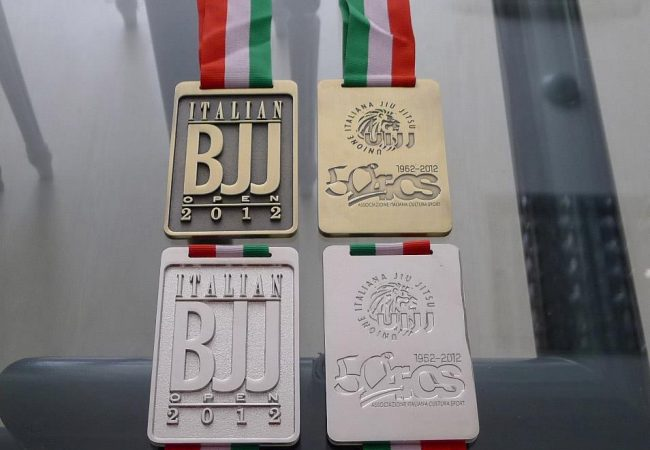 Italian Open 2012: medals and registration deadline closer