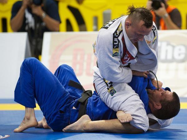 Como você ocupa a mente e o corpo durante uma contusão no Jiu-Jitsu?