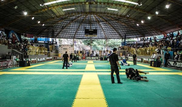 Watch Nivaldo Oliveira vs. Rômulo Barral at Brazilian Jiu-Jitsu Nationals