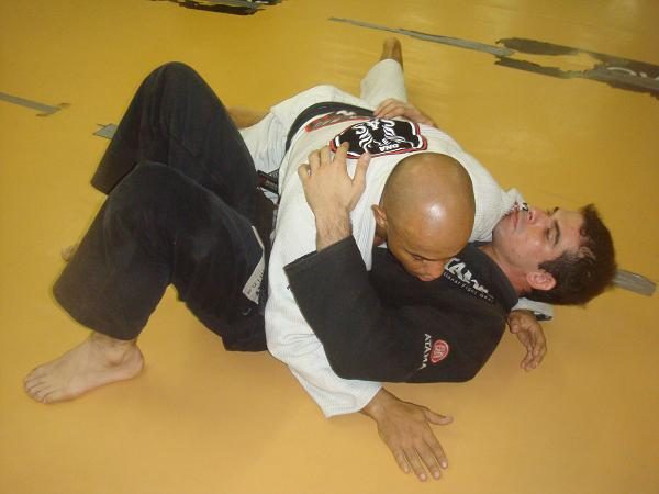 Stopped at side-control? Finish with classic Jiu-Jitsu double attack