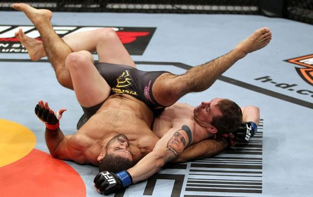 Daniel Moraes detalha como Alan Belcher anulou Jiu-Jitsu de Toquinho no UFC