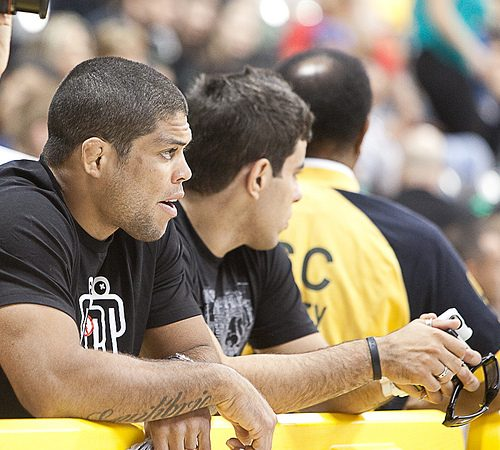 "Galvão talks suspension, urges three refs: ""It's a lot for just one to deal with"""