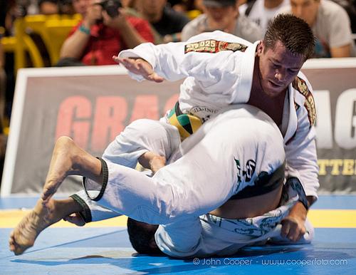 Nino Schembri made his return to the gi against Bill Cooper on the 1st Jiu-Jitsu Expo.