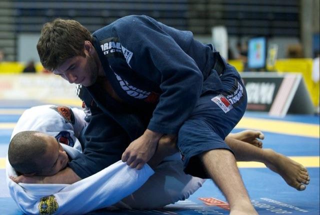 Marcus Vinicius, o Bochecha, em ação no Jiu-Jitsu. Foto: John Lamonica/GRACIEMAG