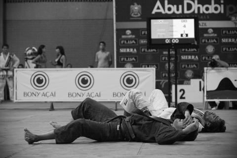 Bochecha e a arte de não se entregar no Jiu-Jitsu