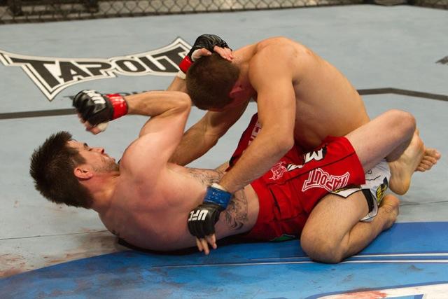 """Carlos Condit: """"Vou ter de lutar de costas no chão com GSP em novembro"""""""