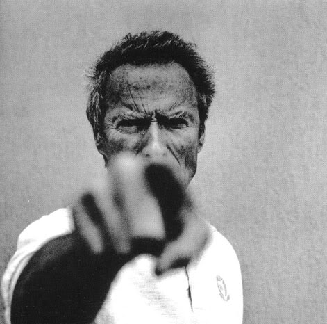 Clint Eastwood, em foto artística de Anton Corbijn