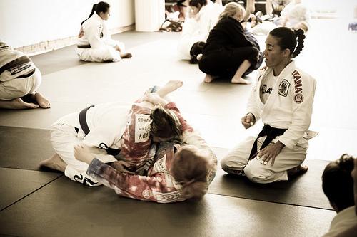 Como você anula a meia-guarda no Jiu-Jitsu? Leticia Ribeiro ensina