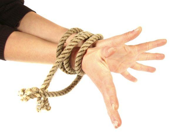 Você já treinou Jiu-Jitsu com as mãos amarradas?