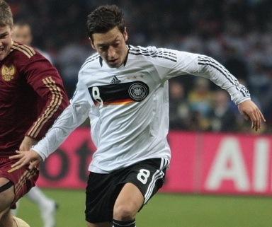 Campeão não pode beber refrigerante, ensina craque alemão da Eurocopa 2012