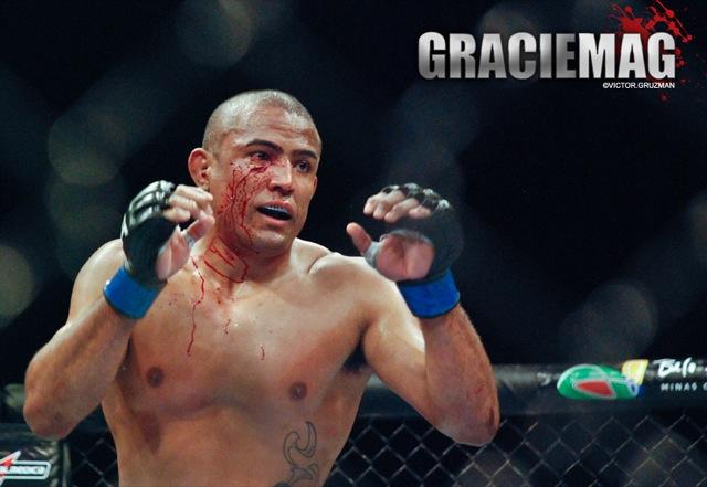 """Serginho Moraes e Mutante provaram no UFC 147 que """"sangue nos olhos"""" pode ser bem mais que uma expressão. Foto: Victor Gruzman/GRACIEMAG"""