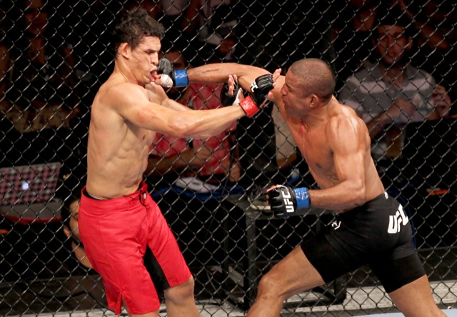 The fight spectacle between champion Cezar Mutante and the valiant Sérgio Moraes at UFC 147