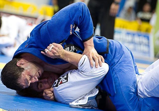 Mundial de Jiu-Jitsu 2012: Léo Nogueira e Marcus Bochecha na final do absoluto