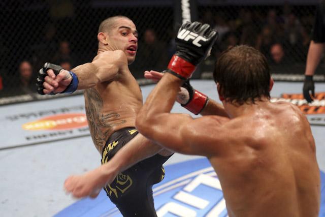 Renan Barão é o campeão interino dos galos do UFC