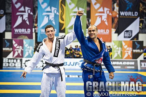 Bernardo (blue gi) with Leonardo Nogueira at 2012 Worlds. Photo: Dan Rod/GRACIEMAG