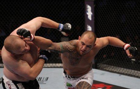 Veja a pressão do novo adversário de Pezão no UFC