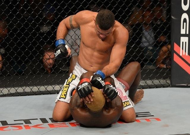 Fabricio Morango monta em Melvin Guillard montou mas nao levou no UFC