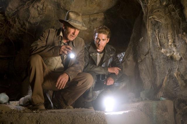 Harrison Ford no papel do ídolo Indiana Jones, no último filme da série: o astro de Hollywood completa 70 anos hoje. Foto: Divulgação.