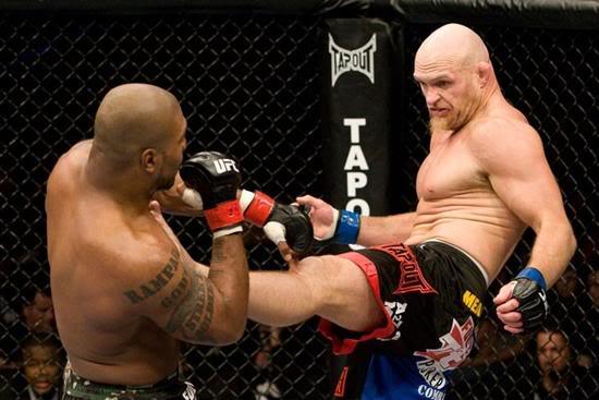Keith Jardine nos tempos do UFC contra Rampage Foto UFC