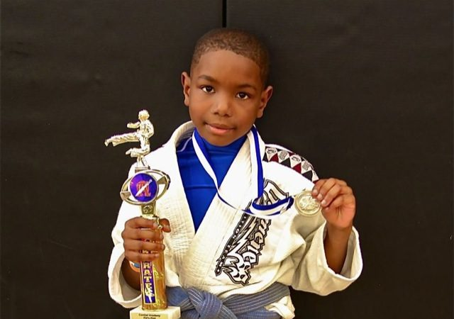 O lutador de 9 anos favorito de Dana White tem algo a ensinar sobre Jiu-Jitsu