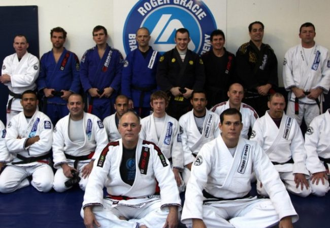 "Maurição analyzes Roger Gracie's win and scolds him: ""He can't take 20 saunas"""