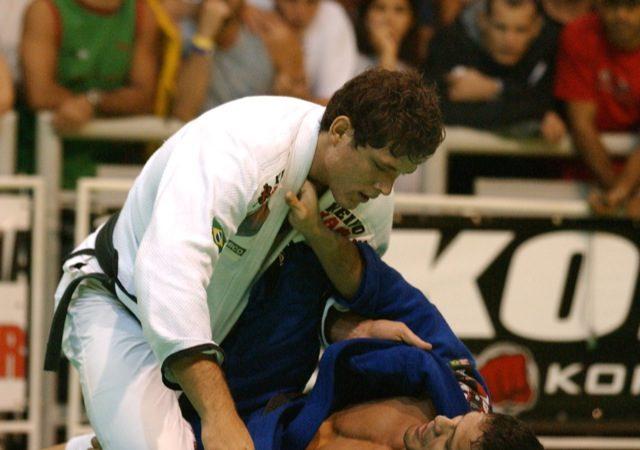 Roger Gracie vs. Saulo Ribeiro and the steps in a Jiu-Jitsu match