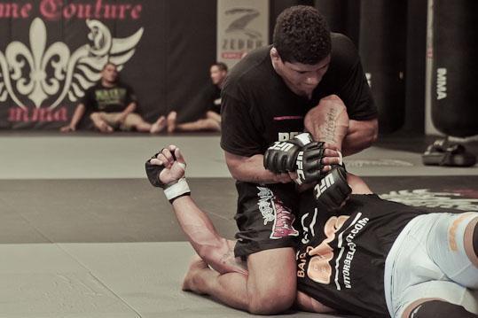 Gilbert Durinho nos treinos com Vitor Belfort. Foto: Divulgação.