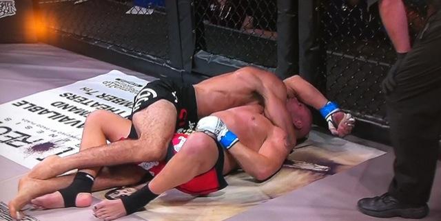 Jiu-Jitsu: Confira 5min de um insano duelo de finalizações no MMA