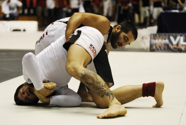Are UFC fighters neglecting the Kimura? David Avellan thinks so