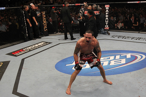 Edgar dominates Penn to win by TKO in three rounds; Anderson, Gordon crowned TUF champions