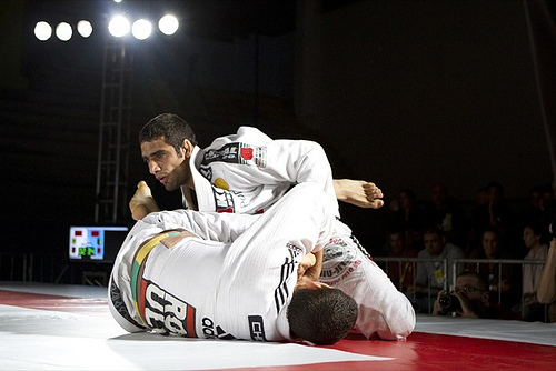 Learn to pass de la Riva guard from Leandro Lo