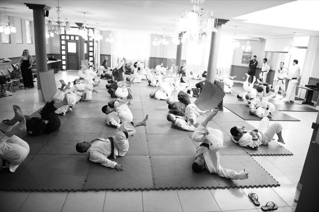 Treino de Jiu-Jitsu na Costa Rica, durante seminário dos Gracie. Foto: Ray Santana