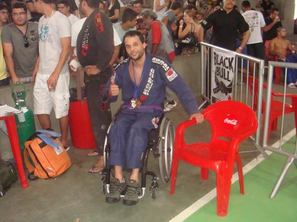 Video: Jiu-Jitsu is overcoming adversity, as we learn in Recife