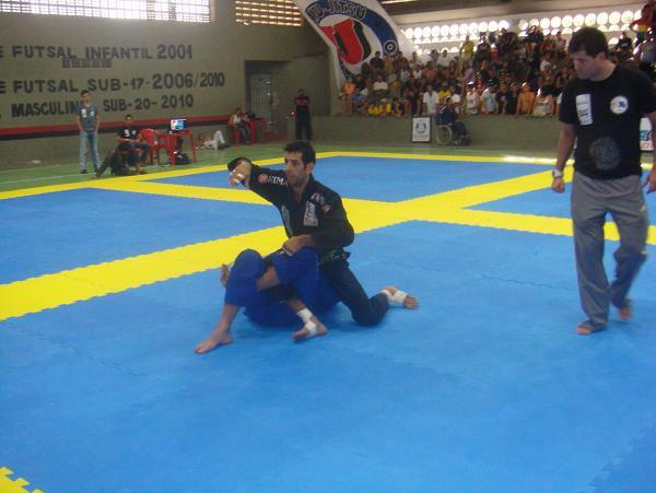 Thiago Barreto contra Bruno Novaes na Copa Black Bull em Recife. Foto:Junior Samurai/GRACIEMAG.com