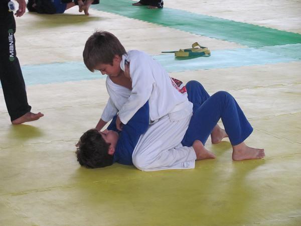 Jiu-Jitsu a ferramenta para tirar o medo do seu filho