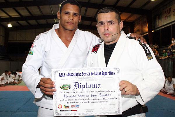 Ronaldo Jacaré's brother is newest Jiu-Jitsu black belt in Manaus
