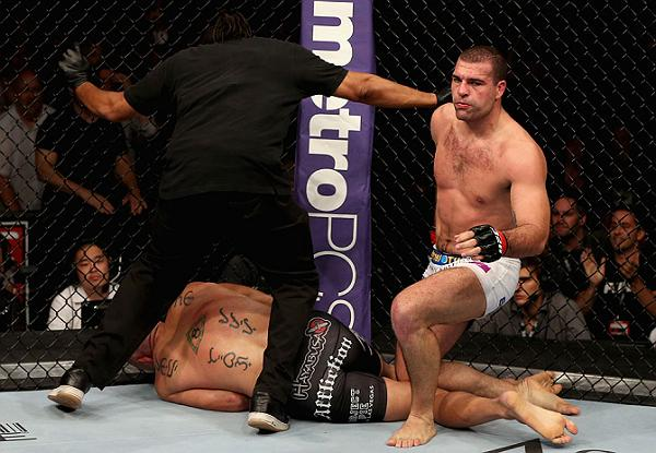 Check out the main moments caught on camera at UFC on Fox 4